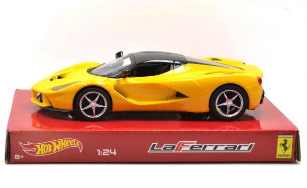 Hot Wheels Ferrari LaFerrari F70 1:24 Diecast Car Model Yellow