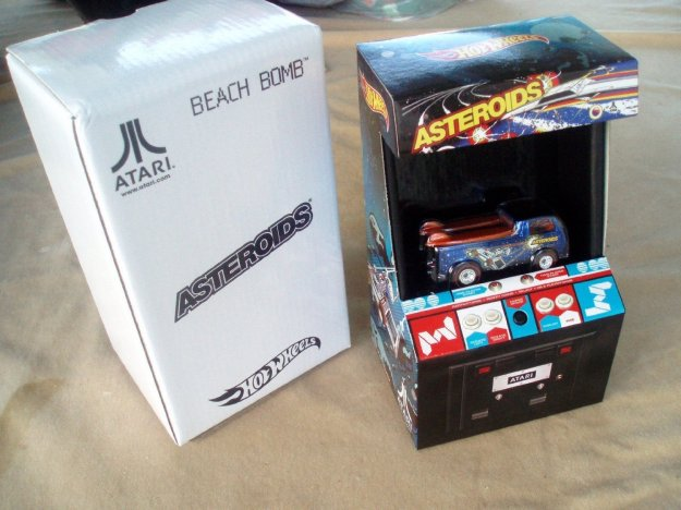 Hot Wheels Atari Beach Bomb Pickup Comicon Exclusive