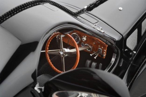 Classic Model Cars Bugatti 57 SC Atlantic 1937 Black Limited Edition