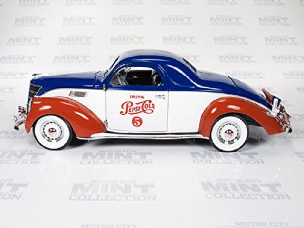 "1937 Lincoln Zephyr Coupe ""Pepsi Cola"" Diecast Car by Auto World"