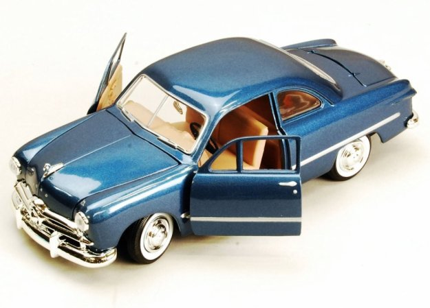 1949 Ford Coupe 1/24 Scale Diecast Model Car by Motor Max