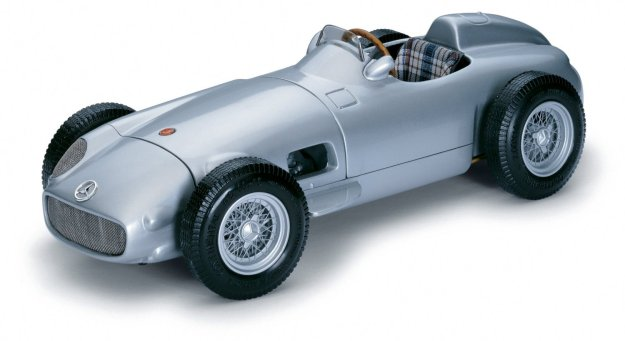 1954 Mercedes-Benz W196 Monoposto by CMC-Classic Model Cars