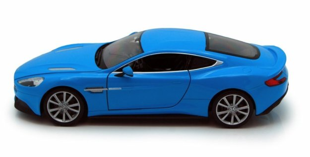 Aston Martin Vanquish 1/24 Scale Diecast Model Toy Car by Welly
