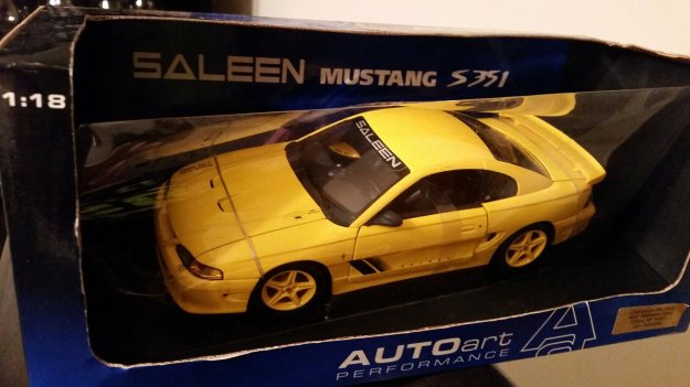Ford Mustang Saleen S351 by AUTOart