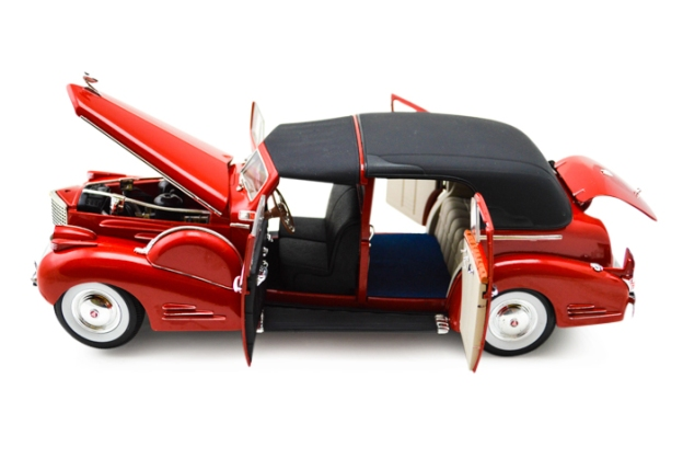 1938 Cadillac V-16 Fleetwood by Signature Models