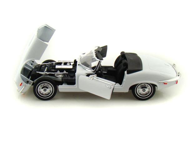 1971 Jaguar E-Type Diecast by Yat-Ming