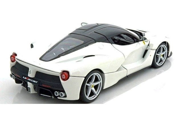 Ferrari Race and Play Laferrari 1/18 Die Cast Metal Car by Bburago