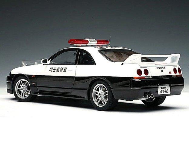 Nissan Skyline GTR R33 Japanese Police Car by AUTOart Diecast Models